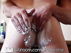 HD - GayRoom Twink get his ass shaved then fucked