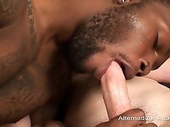 Black gay slut gets his mouth and ass drilled in interracial scene
