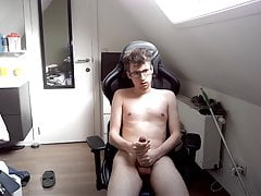 Fag Nozzysi Wanking, Cumming and Eating Cum